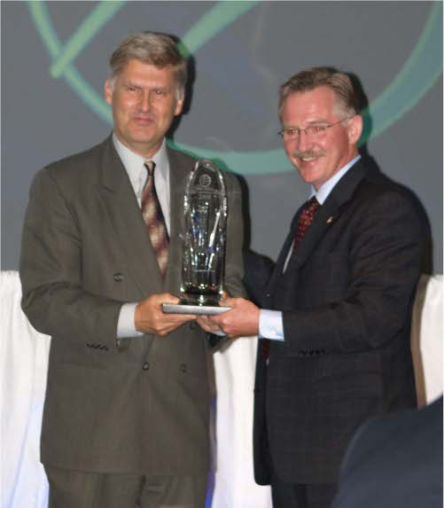 Peter Conlon accepting the Exporter of the Year Award 2009